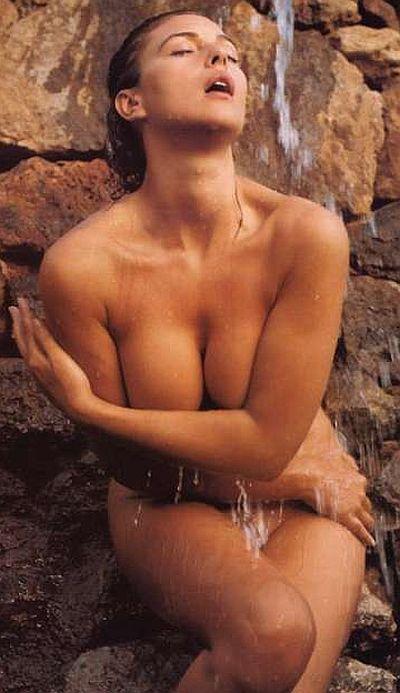 Эротический фотосет с Monica Bellucci