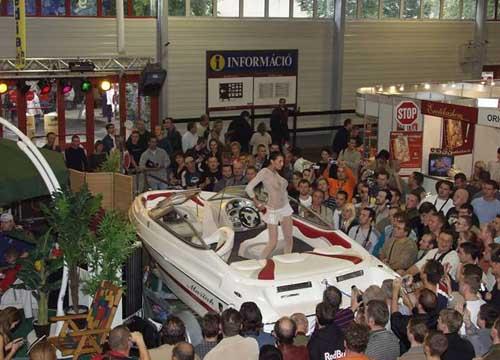 Искусство продавать лодки. +18