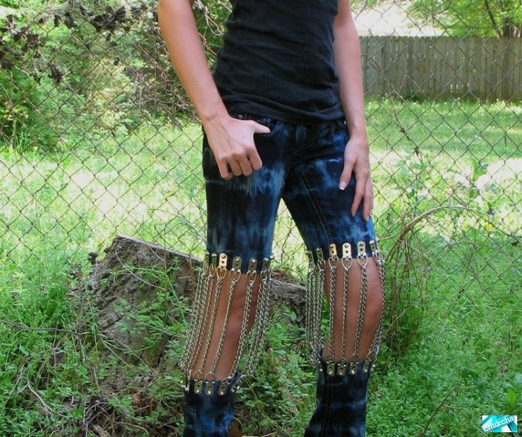 Как сделать прикольные дырки на джинсах