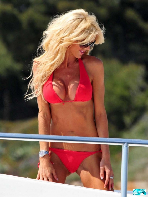 Victoria Silvstedt (6 фото)