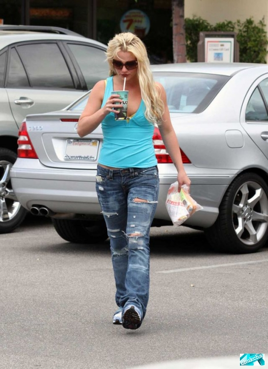 Britney Spears (9 ����)