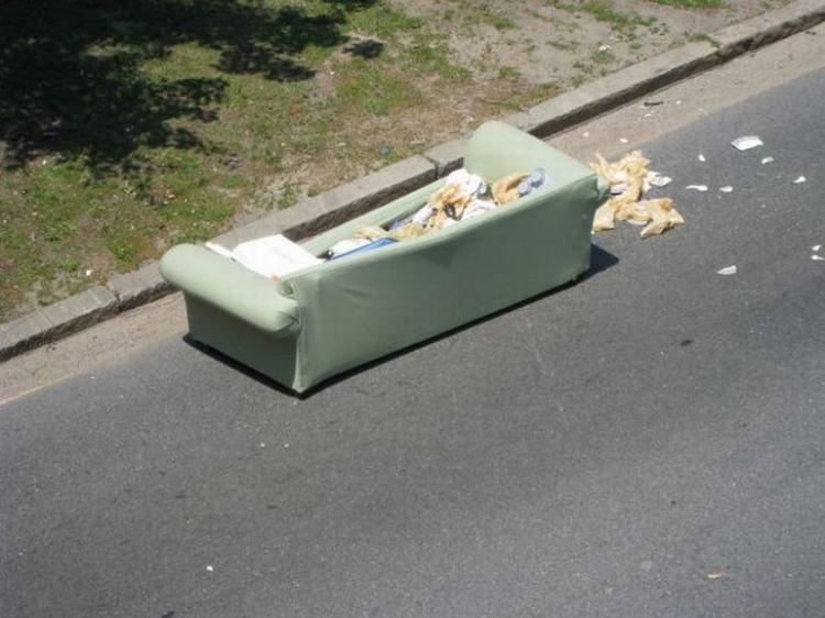 Кто диван потерял? (10 фото)